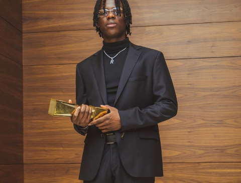 REMA IS KICKING ASS IN 2020 ALREADY, AS HE GETS AWARDED AS THE BEST NEW ACT AT THE SOUNDCITY MVP AWARDS,2020.